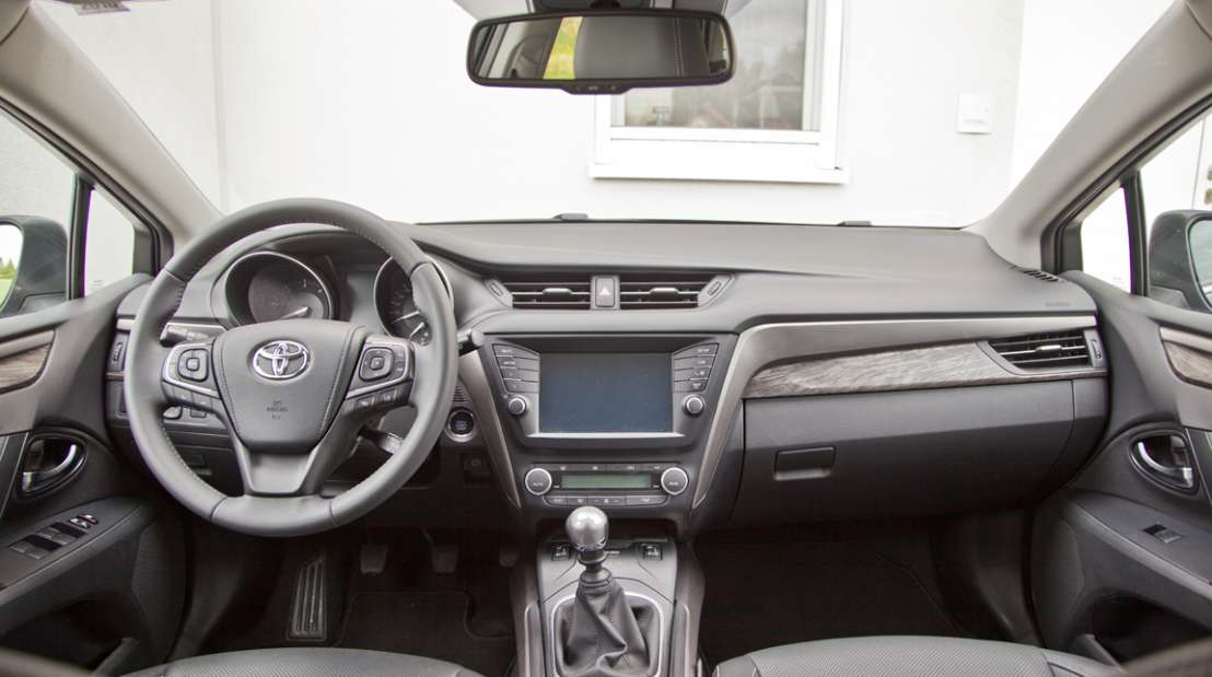 Toyota Avensis Touring Sports 2,0 D-4D Lounge